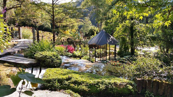 Jardin des fontaines pétrifiantes la Sône. Un veritable paradis. Une merveille.