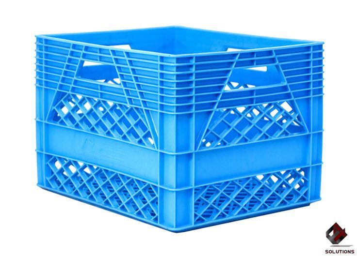 E4-1036 CAJA LECHERA 20 LITROS  Fabricada en polietileno de Alta Densidad, no toxico y con grado alimenticio. Aprobado para productos que estén en contactos con alimentos, solo en material virgen. Forma de estiba: 9 Piezas Con Producto. Tipo de empaque: Apilable. Dimensiones: 40.5 cm. x 33 cm. x 28.1 cm. Capacidad de Carga: 25 kg. Peso: 1.6 kg. Color: Azul.