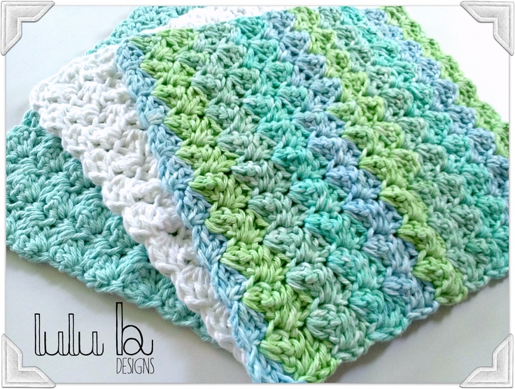 Free crochet pattern! you will love this free wash cloth pattern from LuLu Belle Designs!