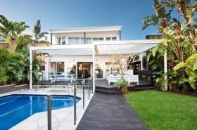 Welcome back to Stunning Sunday. Today I am showing you a luxurious family home in one of Brisbane's most exclusive addresses. This 5 bedroom, 3 bathroom home has been designed with no expense spared on furnishings and fittings.
