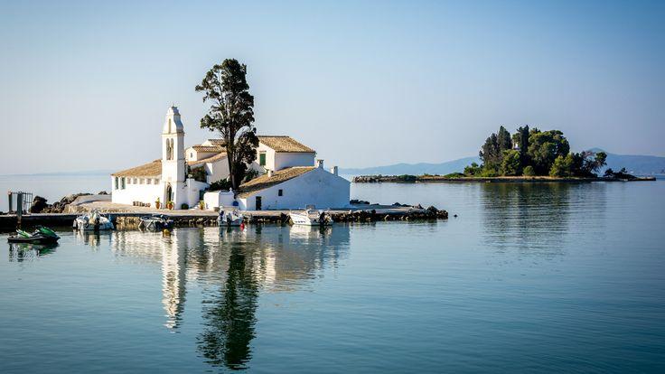 Guide de voyage pour Corfu,la plus grandes des iles ioniennes en Grèce. Toutes les informations pratiques et indispensables pour préparer vos vacances.