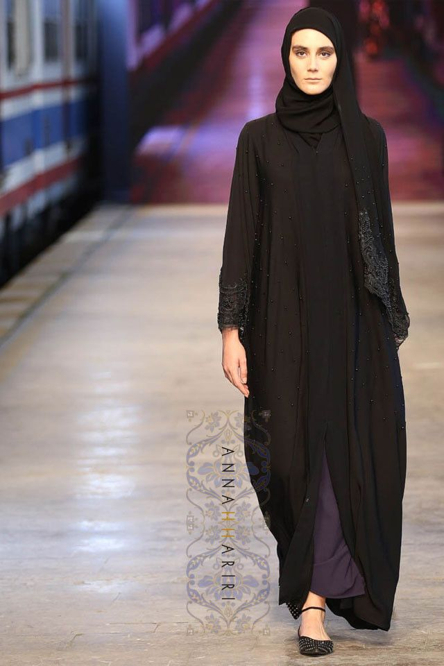 Lulu Lace Abaya now in Black | ANNAH HARIRI Available for Pre-Order Dubai style abaya