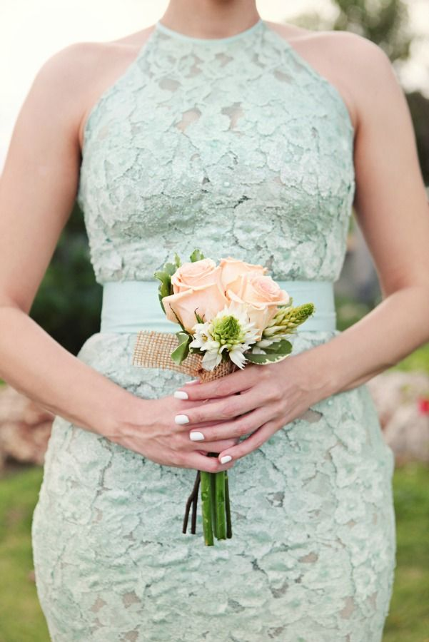 Mint and Peach Palette | A Vintage Chic Wedding in the Dominican Republic | Photography by AMANDA JULCA