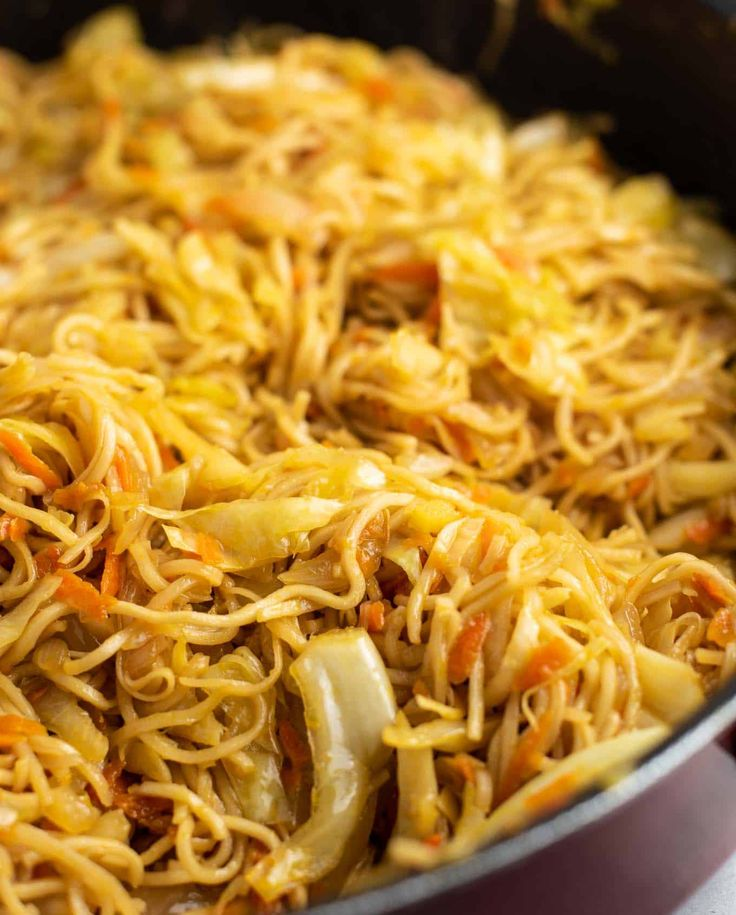 cabbage and carrot with ramen noodles in 2020 Vegetarian
