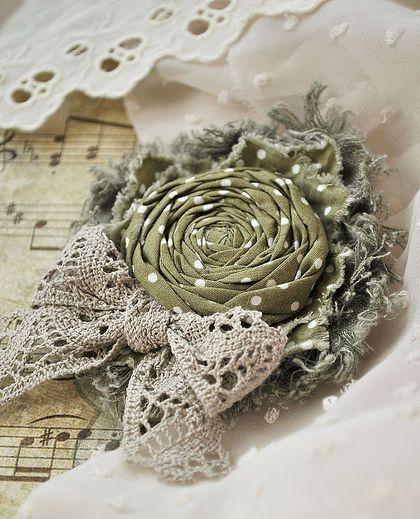 """Брошь """"В горошек"""" - брошь,брошь цветок,роза,цветок,горошек,в горошек,оливковый"""