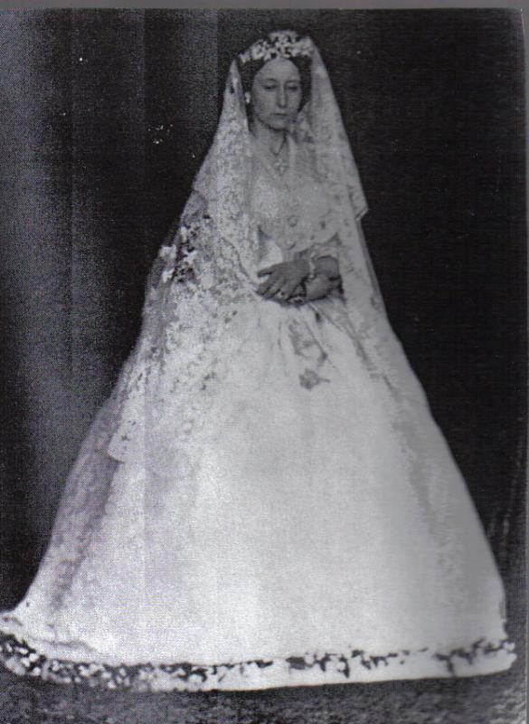 Here's a photograph of Alix's mother, Princess Alice on her own wedding day in 1862. You can clearly see the veil that the Empress would wear with her wedding dress in 1894