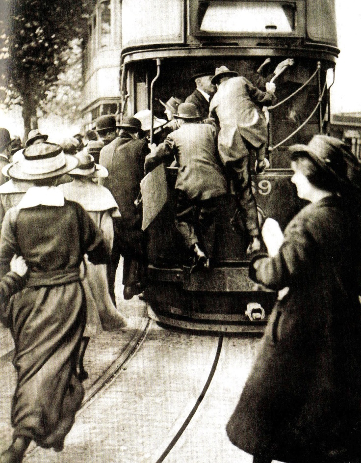 A rush for trams on the Embankment in London during the railway strike - 1920