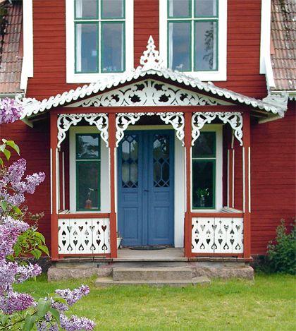 Torp med snickarglädje swedish Victorian cottage