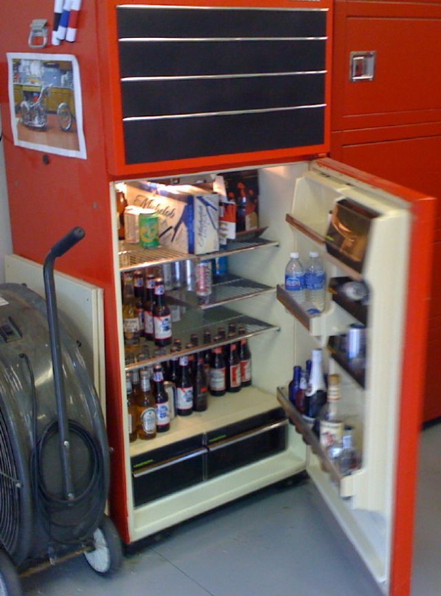 Garage Fridge: 1000+ Ideas About Beer Fridge On Pinterest
