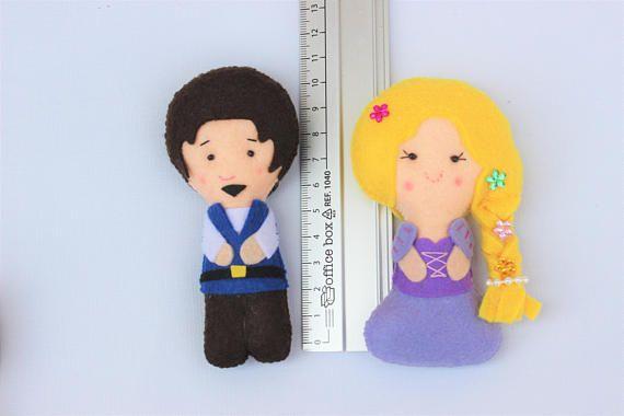 Muñecos de fieltro: Princesa Rapunzel y príncipe regalo para