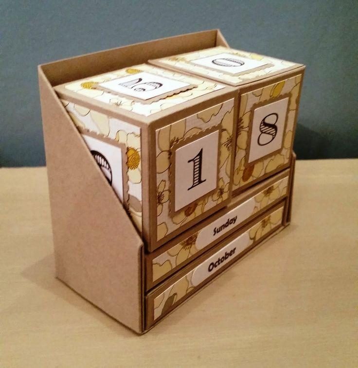 Desktop Calendar | Papercraft Button