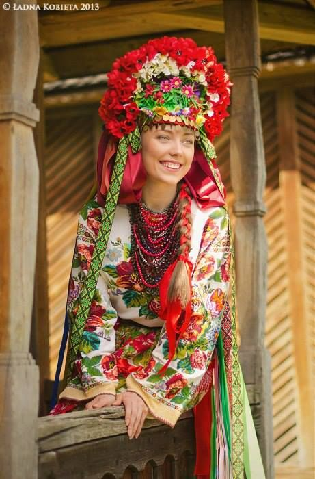 A bride from Bukovina, Ukraine Folk costume, wedding head piece Photo by Anna Senik, http://www.ladna-kobieta.co...Ukraine, from Iryna with love