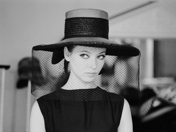 黒のハットで、目指すはファムファタール♡|【ヘッドドレス編】永遠の憧れ♥ パリジェンヌの定番アイテムをネットでショッピング!