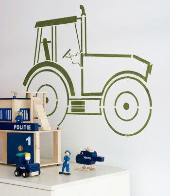 Door zelf iets op de muur van de kinderkamer te schilderen, heb je voor weinig geld een heel leuk resultaat.