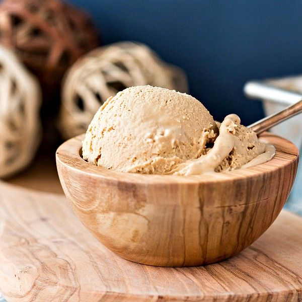This Organic Caramel Vanilla Ice Cream Recipe Is Creamy Smooth And Delicious Made With Homemade Organic Organic Ice Cream Recipe Organic Ice Cream Ice Cream