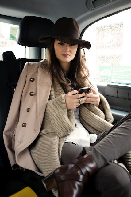 Oh don't mind me and my super stunner outfit. I'm just texting while sitting in a cab looking glamorous