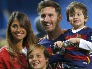 Messi se casa con su novia de siempre