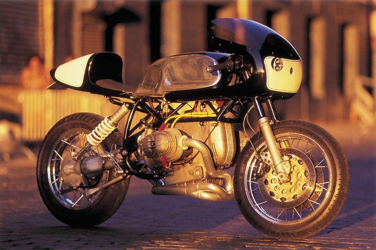 BMW Cafe Racer based on '92 R100GS frame | Team Incomplete なんか顔がかわいくて・・・再びレピン