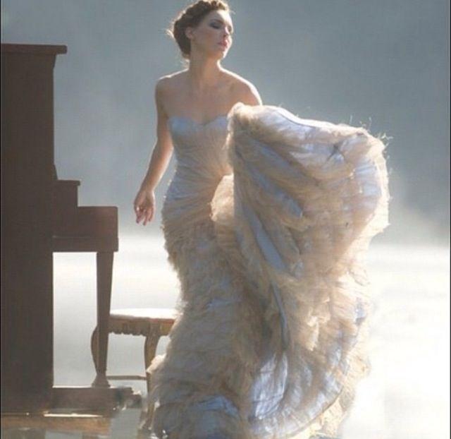 Belinda /white dress