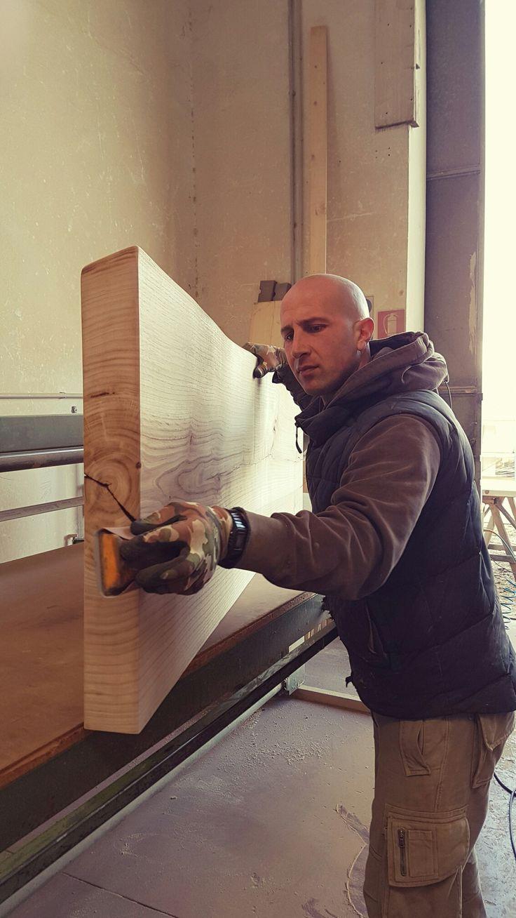 Arredo bagno in legno su misura artigiani italiani www.xlab.design