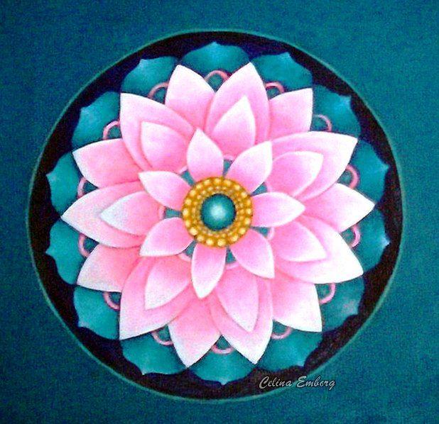#Mandala flor. #Pintura realizada en acrilico #Taller de mandalas #Celina Emborg