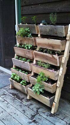 Maceteros con maderas recicladas