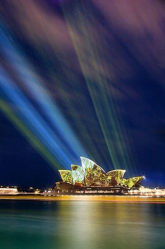 Vivid Sydney - Lighting the Sails