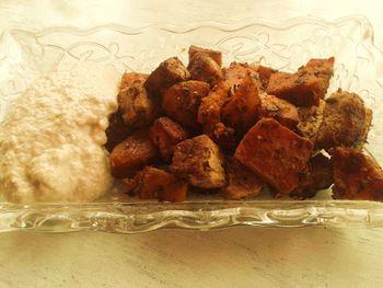 Sült édesburgonya tofuval és növényi tejföllel