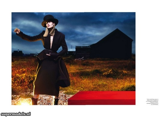 Suvi Koponen in 'Le Noir' - Photographed by Mert & Marcus (Vogue Paris September 2012)    Complete shoot after the click...