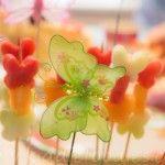 Butterflies – healthy dessert with fresh fruits on a stick
