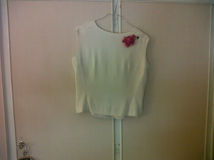 50s white cream silk top with nice neckline on its back