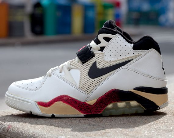The 90 Greatest Sneakers of the '90s