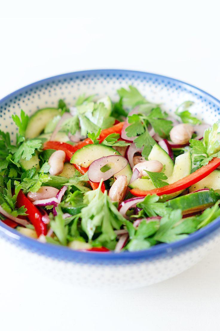 Salat mit Borlotti Bohnen, Gurke, Paprika und Petersilie // Salad with Borlotti Beans, Cucumber, Bell Pepper and Parsley // Berliner Küche