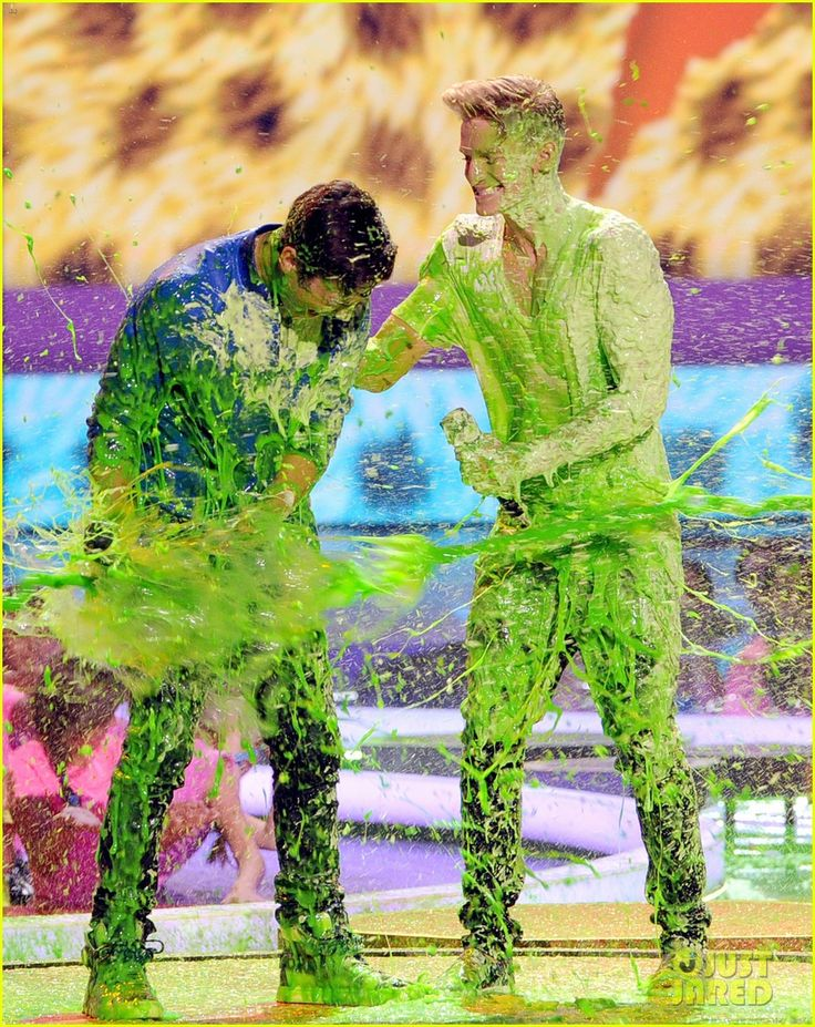 Austin Mahone & Cody Simpson Get Slimed Together at Kids' Choice Awards 2014!