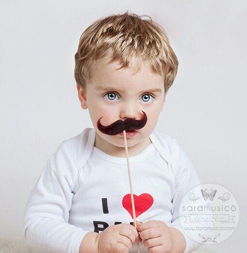 Baby with moustache Regalos dia del padre http://www.saramusico.com/regalos-dia-del-padre/