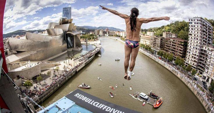 Los saltos más espectaculares sobre la ría de Bilbao