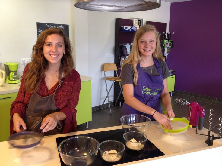 C'est parti pour l'atelier gourmand avec des étudiantes du CIDEF