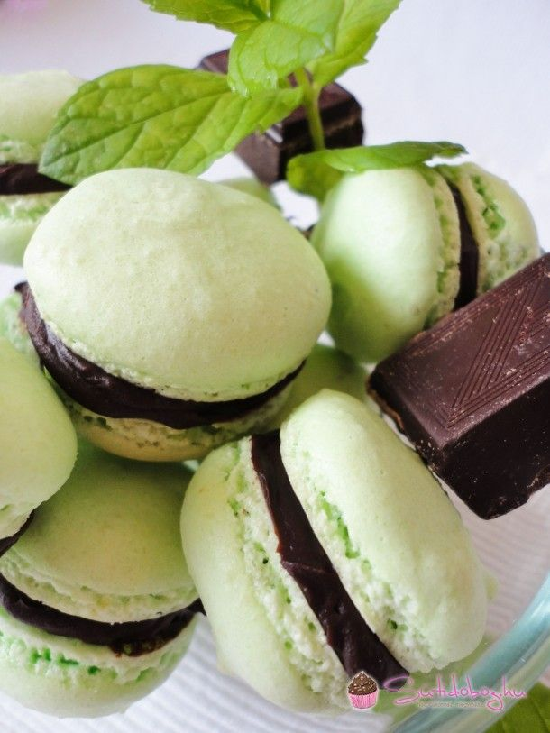 Mentás-csokis macaron