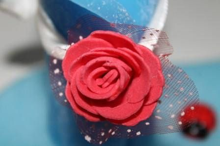 https://flic.kr/p/BpNL1C   DETAIL OF THE CENTERPIECE IN WAX; PARTICOLARE DEL CENTROTAVOLA NATALIZIO: ROSA ROSSA IN FELTRO   Centerpiece composed of two rolled candles light blue on the size of 45 x 95 mm approximately, decorated with a red rose in felt over a flat two-color - white and blue - and oval-shaped with dimensions of 180 mm x 90 mm approximately, with three lucky ladybugs. 100% natural lemon scent.  To know more about it, you can see my website: www.ilmiomondoincera.com…