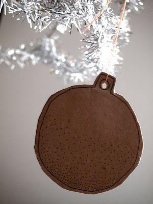christmas ballsChristmas Crafts, Cardboard Recycle, Xmas Ball, Cardboard Decor, Christmas Ball, Cardboard Ornaments, Kids, Cheap, Christmas Ideas