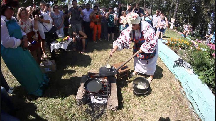 Приготовление блинов на лопате