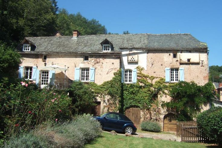 5 Bedroom Farmhouse in Najac to rent from £765 pw. With balcony/terrace, TV and DVD.