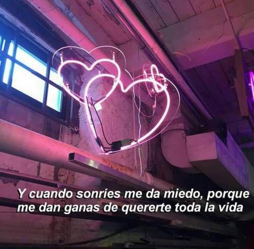 Me enamoro cada vez más, y sé que está mal, porque no sómos correspondidos.