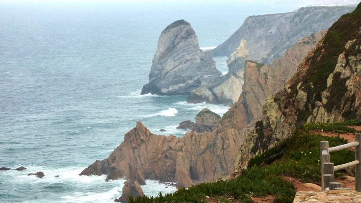 Rochedos do Gigante e da Ursa ao norte do Cabo da Roca