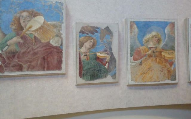 """Musei Vaticani, Pinacoteca. """"Gli angeli musicanti"""" di Melozzo da Forlì"""