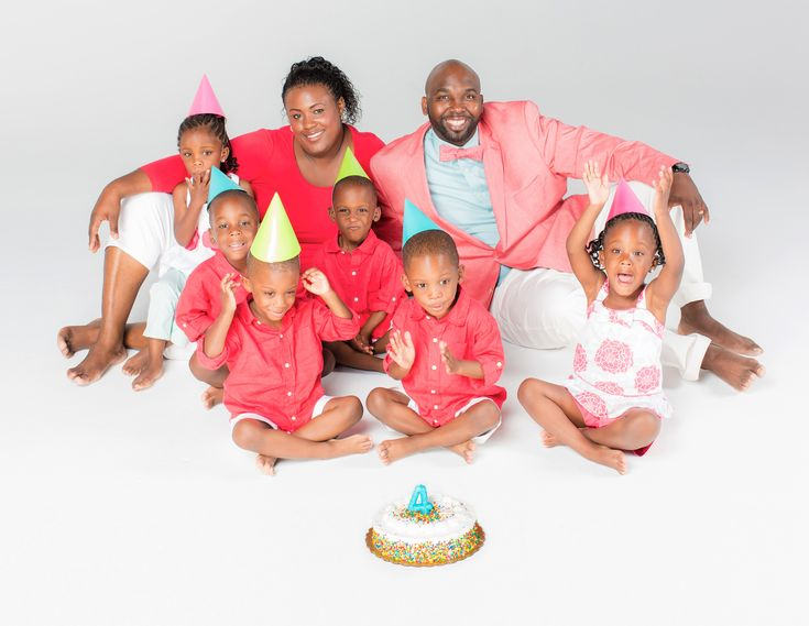 McGHEE Septuplets: Rozonno and Mia and their 6 babies ...