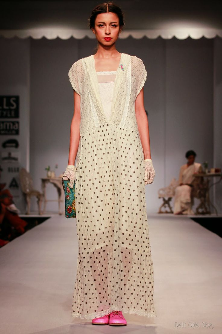 Delhi Style Blog: Pero by Aneeth Arora SS14 Labour of Love WIFW