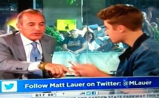 Justin Bieber has just asked his Twitter followers to follow Matt Lauer. The result? Lauer has gotten over 40,000 followers in 15 minutes.