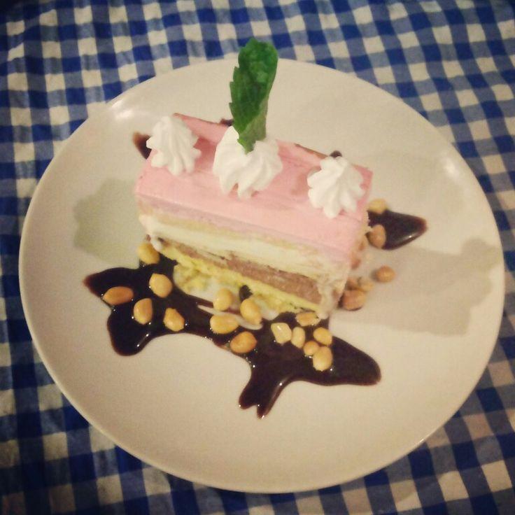 Neapolitan ice cake