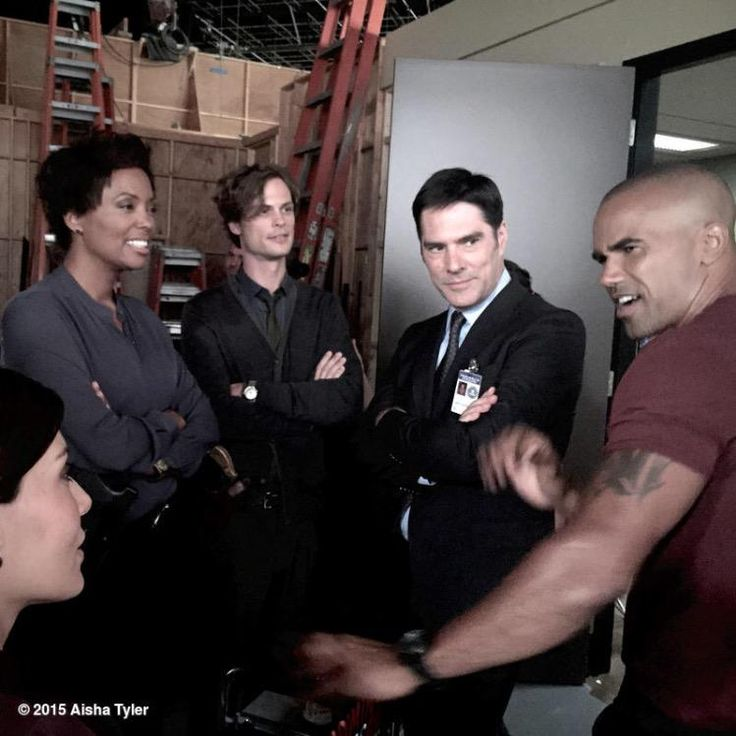 Criminal Minds Round Table: CRIMINAL MINDS Season 11 - BTS: 1102. The Witness - between takes...
